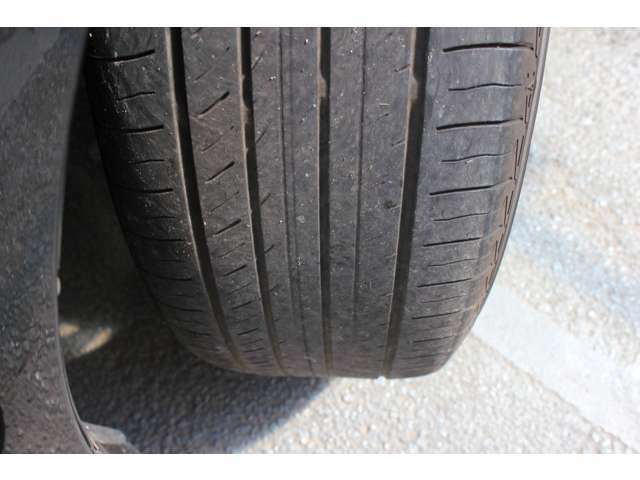 タイヤはフロント、リヤともにまだ山ございますのでそのままご使用頂けます!