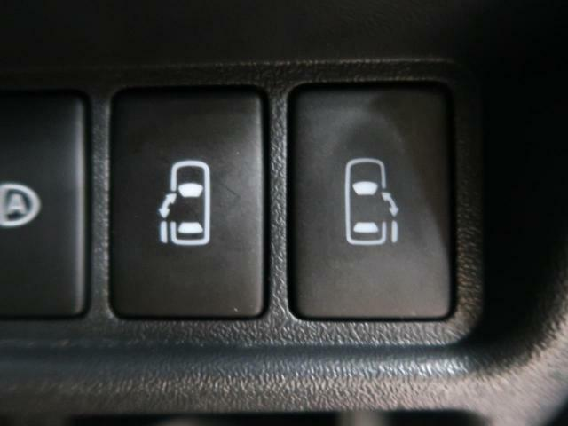 【両側電動スライドドア付き】ミニバンには是非欲しい装備ですね♪お子様やご年配の方でも楽々開け閉め出来ます☆