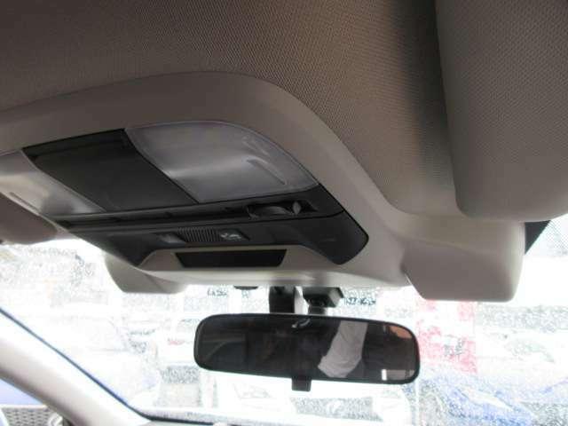 スバルの誇る安全装置♪ アイサイト搭載♪ レーダークルーズ機能&レーンキープ機能搭載♪ 前方の車両をレーダーで捉え、追従してくれるとても便利な機能となります♪
