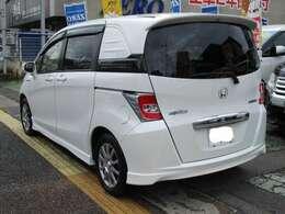 お支払い総額にて法定整備付で、全国アフター保証2年3万キロの無料保証付き!安心でお買い得車です。