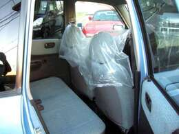もちろん全車整備渡し!リヤシートもかなり使えますよ☆