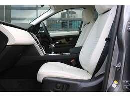 パーフォレイテッドグレインレザーシート、4ウェイ電動シートランバー、シートヒーター(運転席・助手席)助手席シートISOFIX