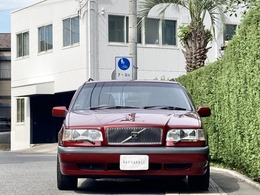 ディーラー整備記録簿が多数残されており、ノーマルコンディションを保った良質車です。詳細はHPをご覧ください。