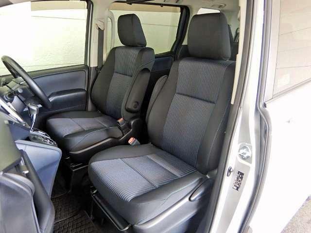 やや大きめに作られたフロントシートは、高速走行でも安心して身を任せる事ができます!