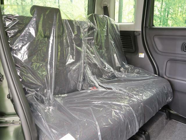 『抗菌・消臭、防汚に効果を発揮するルームコーティングの施工も承ります。光触媒が長期的に抗菌し続け車内をクリーンに保ちます。特に小さなお子様がいる方や花粉症でお困りのお客様はぜひご検討ください。』