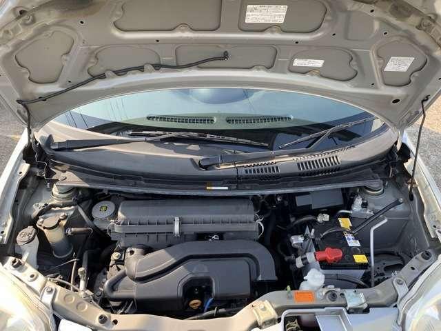 エンジンはタイミングチェーン式となります。 この車両に搭載のKF型エンジンはダイハツのメインエンジンとなり、タントをはじめ、ミラやムーブ、コペンなど幅広い車種に使用されている信頼性の高いエンジンです