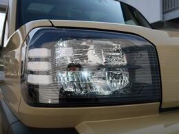 【LEDヘッドライト】ヘッドライトは最新のLED式になっております! HIDやハロゲンに比べて長寿命で省電力でバッテリーにも優しいです☆