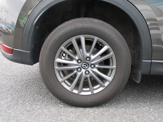 ■純正17インチアルミホイールです。タイヤサイズは225/65/R17となります。