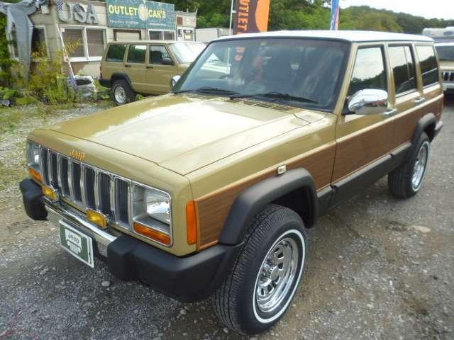 外装は1970年代のアメリカ車を再現したオリジナルのレトロ調カラーにオールペン済の為、キズやへこみも御座いません