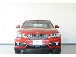 BMWを熟知したメカニックによる100項目の点検・整備を行います。不具合箇所、交換時期に達している部品に関しましては、全て弊社負担で交換してからのご納車となります。