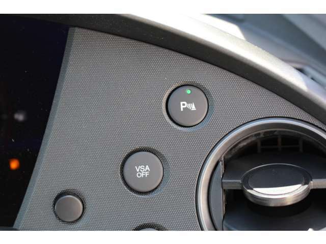 純正コーナーセンサー装備!対象物に近づきますと、音で危険を知らせてくれます!
