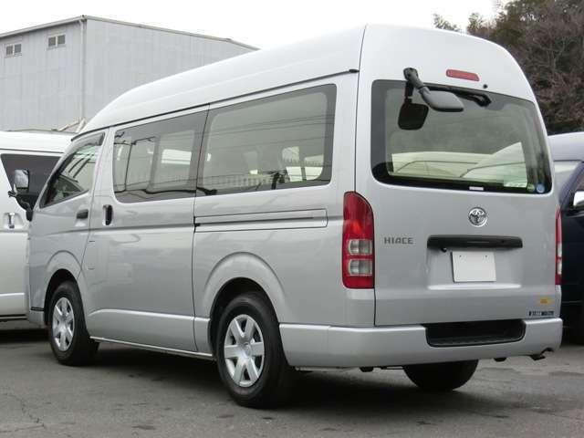 長さ:469cm/幅:169cm/高さ:224cm/最大積載量:1150kg/車両重量:1870kg/車両総重量:3185kg/燃料タンク:70リットル/カラーナンバー:1E7