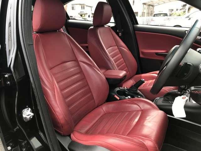 ◇電動&シートヒーター付き赤革シートです!