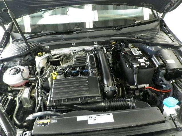 アイドリングストップ搭載!排気量は1400cc!直噴技術と過給機を組み合わせることで小排気量ながら高出力を生み出すTSIエンジン搭載!