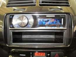 CD付きです。音楽を楽しみながらのドライブ、いいですね♪社外オーディオは音質にもこだわっています。ナビの取り付けもお気軽にご相談ください。