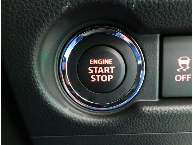 キーを取り出さなくても、ドアの施錠・解錠、エンジン始動がワンプッシュで行なえるシステム、キーレスプッシュスタートシステムが付いています!!
