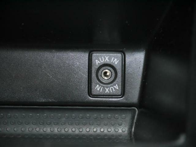 AUXの外部端子付きです。