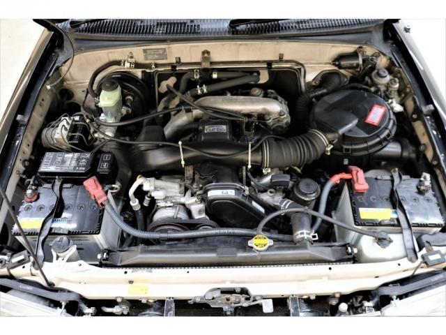 耐久性に優れた1KZエンジン搭載☆軽やかな走り出しが特徴的です♪