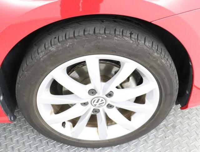 ★Volkswagen純正アルミホイールです。タイヤサイズは225/45/17です。