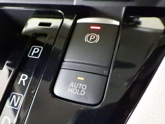 メ-カ-オプション先進快適PKにて電動パーキングブレーキ&ブレーキホールド仕様になってます。