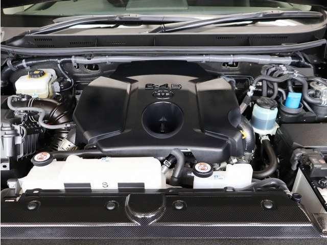 エンジンルームも点検整備&クリーニング済みとなっております。車両入庫時とご成約時に加え、ご納車直前の3回にわたって整備点検を実施致しております。
