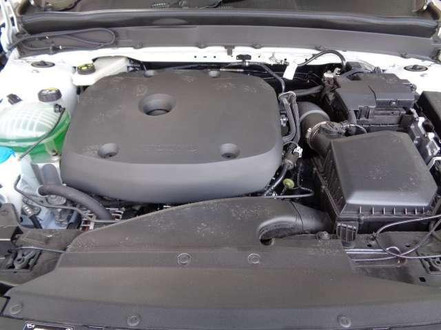 インタークーラー付ターボチャージャーDOHC4気筒エンジン。小気味良いドライビングをお楽しみいただけます。そして、ボルボで専門的な教育を受けたメカニックがお車を整備いたします。   安心してください。