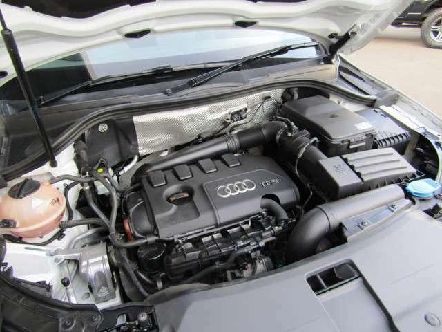直列4気筒DOHC IC2.0Lターボエンジンです。
