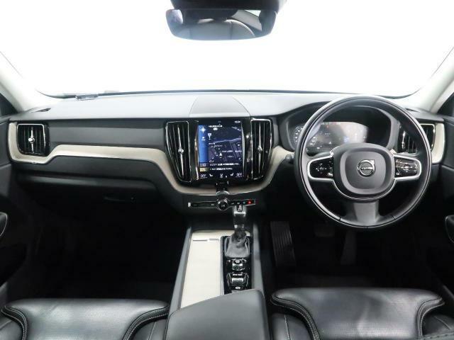 大人気ディーゼルのXC60 D4インスクリプションが入庫!!全席にシートヒーターが装備、さらに前席にはマッサージ機能付きで装備が充実した1台となっております。