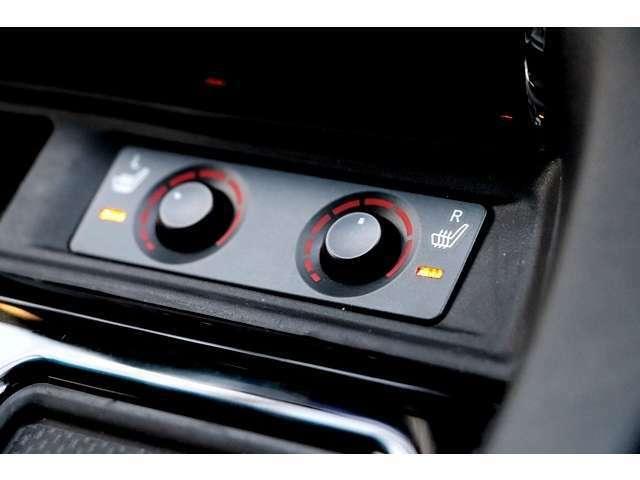 シートヒーター装着車ですので寒い日などに重宝します♪エアコンのように室内を暖めていくのではなく、体を直接を暖めてくれることから、エアコンよりも早く暖まることが出来ます☆
