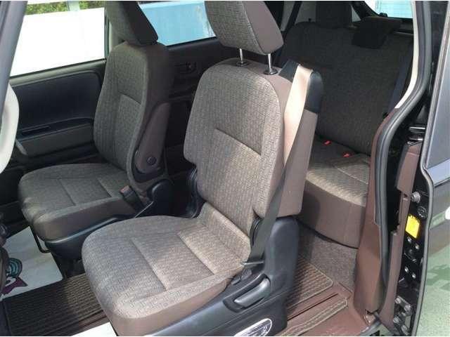 清潔で広々とした座席です☆ ぜひ、現車をみて体感してみてください!