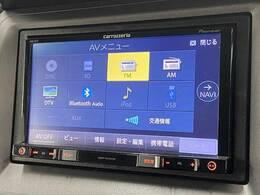 カロッツェリアSDナビTV装備で、ロングドライブも快適です。
