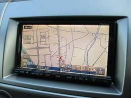 純正HDDナビが装備されております♪画面もクリアで見やすく運転中も確認しやすいです♪ワンセグTV+DVDの視聴もお楽しみ頂けます♪ミュージックサーバー機能も搭載されており、好みの音楽を録音してお楽しみ下さい♪