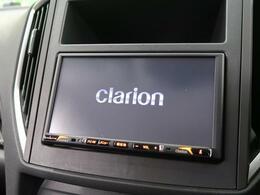 【SDナビ】CD・DVD再生・フルセグTV視聴可能で、SDミュージックサーバーも搭載なのでSDカード挿入で音楽の録音もできます!!はめ込み式で車内との一体感もあります♪
