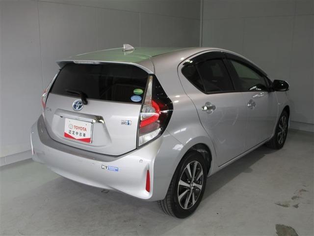 後続車から視認性の良いストップランプの配置で追突抑制になります。