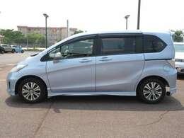 車体サイズは、全長421cm、全幅169cm、全高171cmです。