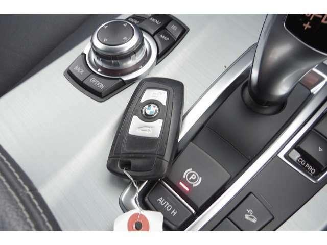 納車後も当社の認定工場でメンテナンスや車検など対応致します。お車を乗っていくと定期的な交換・調整が必要な消耗品もたくさんございます。故障や破損を未然に防ぎ、安全に乗って頂ける様サポート致します。