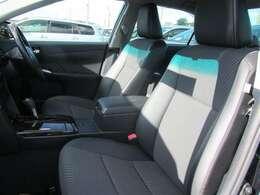 (前部座席)ドライバーのかたと助手席のかたが座るシートです。実際お座りいただくのが、分かりやすいと思います。お気軽にご来店ください!