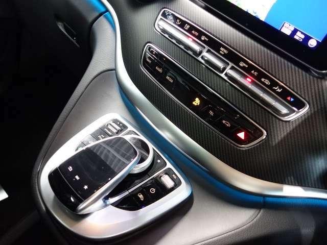 高級感ある内装は、人間工学・心理学に基づきデザインされておりますので、リラックスした状態でドライビングに集中することができます。