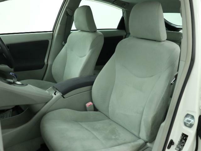 運転席、助手席シートです。クリーニング済みで綺麗になっております。
