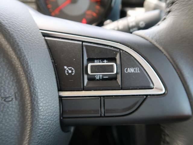 【クルーズコントロール】高速道路もラクラク走行。アクセルを離しても一定速度で走行ができ、長距離運転時の負担を軽減!加速・減速も簡単なスイッチ操作で調整できます。