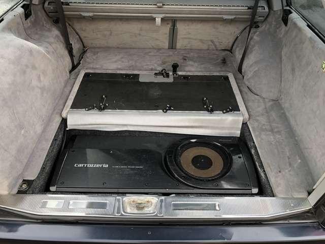 サブウーハーが搭載されております♪重低音もあり、音質良好です♪