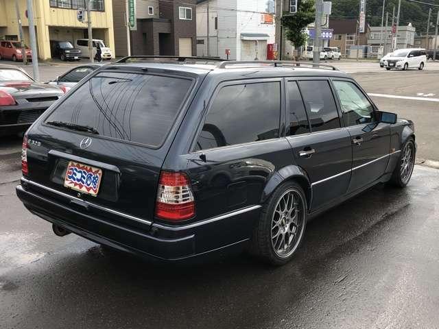最近のお車の形とは違い、角ばっている形は魅力的ですよね★お探しの方は、必見です(☆o☆)