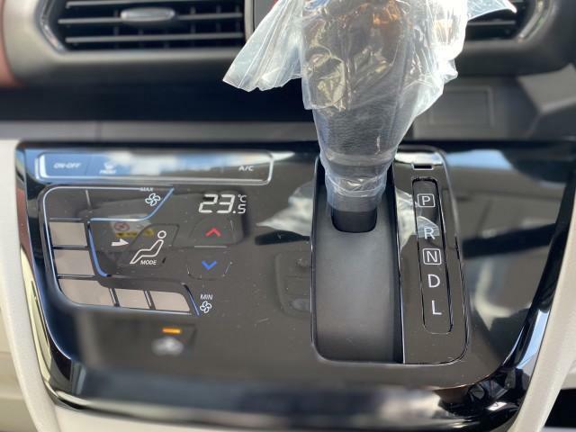 快適!フルオートエアコン☆温度設定をするだけで素早く快適な車内でドライブできます!