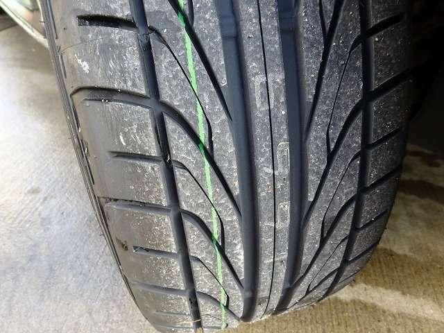 タイヤはブリヂストンのスポーツブランドポテンザのアドレナリンを装着!山もしっかり残っております!