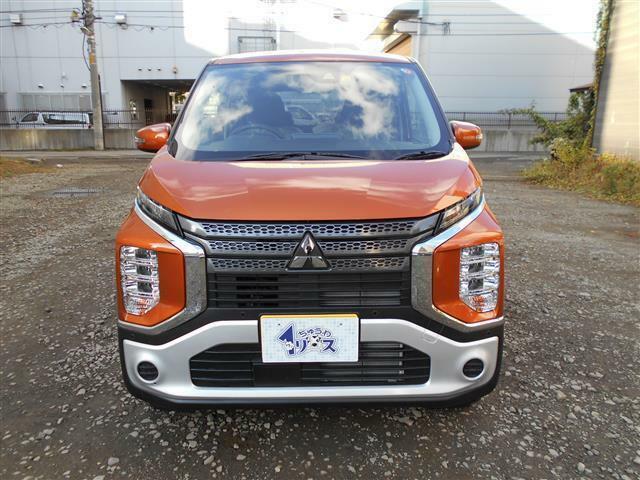 色は有料色設定、サンシャインオレンジメタリック。実走行は10Km台、車検は4年10月まで付帯しています。