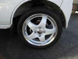 新品のLPMの15インチアルミ!165/50-15タイヤ付いてます!