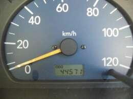 走行の少なく45000km ワンオーナー車で大切にされていた車の様でとっても綺麗な軽トラを15インチアルミホイールに内装もブラックレザーシートを取り付けてプチカスタム!ターボ付きのAT車パワフルで楽々
