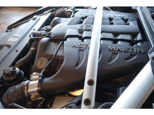 V12・6リッターエンジン