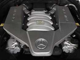 AMGのレーシングテクノロジーが惜しみなく注入された珠玉の6.2L V8自然吸気エンジン。M156エンジンを搭載。