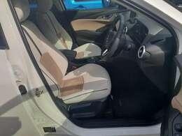 ロングドライブでも疲れにくいサポート性の良いシート☆